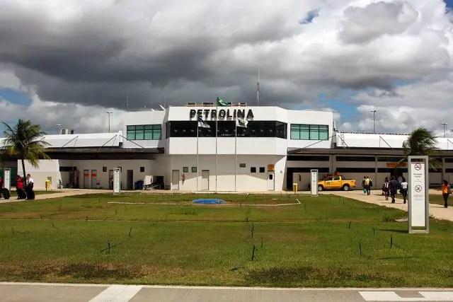Aeroporto de Petrolina inicia obras no estacionamento de veículos