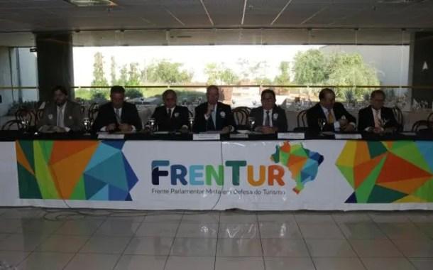 Frente Parlamentar Mista em Defesa do Turismo (Frentur) recebeu lideranças da hotelaria para o debate de demandas