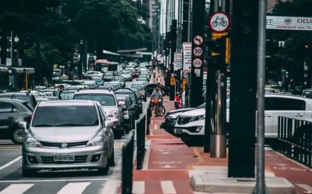 Nova lei prevê incentivo ao uso de veículos não poluentes como bicicletas compartilhadas; entenda