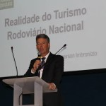 """Fórum de Turismo Rodoviário: burocracia e ilegalidade incomodam mais que as companhias aéreas"""", afirma palestrante"""