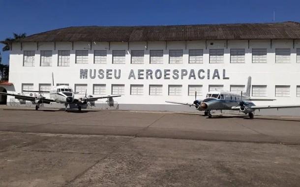 Rolé Visita Museu Aeroespacial: história da aviação brasileira é tema de roteiro gratuito