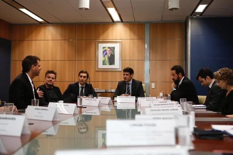 Ministro se reúne com grupo  de investidores e discute projetos sustentáveis para o Brasil