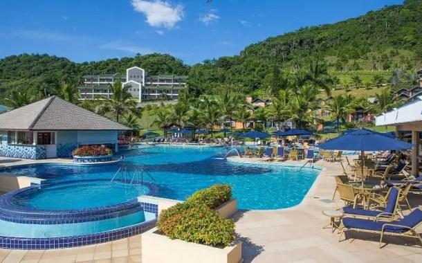 Infinity Blue Resort & Spa está entre as nove melhores piscinas escolhidas para a campanha da Hoteis.com