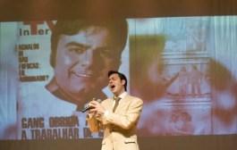 O rei da voz, Agnaldo Rayol, tem show à altura de seu talento, em São Paulo