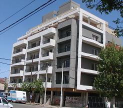 Construcción del edificio de San Martín y Mendoza.
