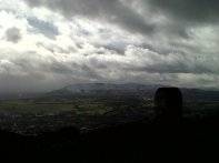 Mi primera subida a Arthur's Seat, la famosa montaña en mitad de Edimburgo. Imprescindible.