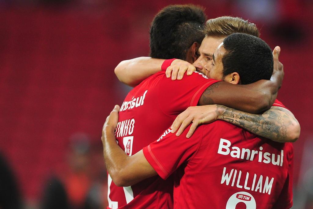 Em noite inspirada, Inter goleia o Vasco por 6 a 0 no Beira-Rio Lauro Alves/Agencia RBS