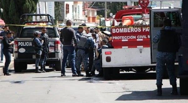 Hombre con machete toma rehenes en banco de Pachuca; exigía ver a AMLO