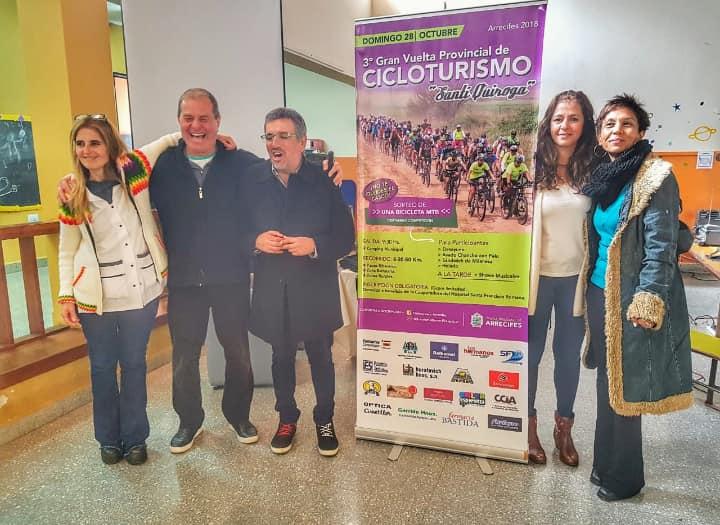 Presentación Cicloturismo y Catalano en escuelas