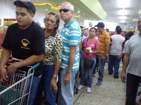"""En un recorrido por expendios de la capital mirandina se encontró sustitutos de azúcar refinada mas """"criollos"""" como el papelón. ARCHIVO"""