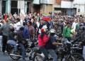 *Vecinos de Guaicaipuro, Carrizal y Los Salias tomaron las calles en protesta por la detención del coordinador nacional de Voluntad Popular y por la muerte de jóvenes en los últimos días.