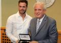 Levy fue honrado este lunes con las llaves de la ciudad de Miami por sus logros artísticos
