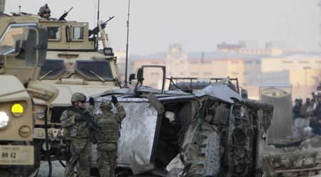 El ataque tuvo lugar en el marco de la tradicional ofensiva estival de los talibanes, que atacan principalmente al ejército, la policía, el gobierno y las fuerzas militares extranjeras