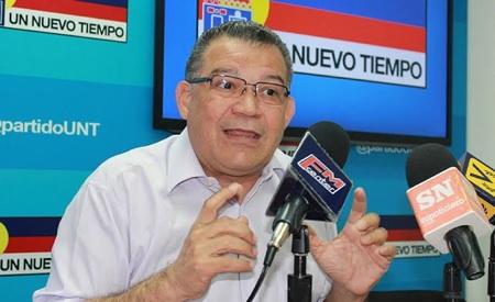 UNT ratifica suspensión de Enrique Márquez