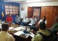En reunión sostenida en el despacho del alcalde de Carrizal, José Luis Rodríguez, propietarios de los comercios que expenden artículos regulados en el municipio