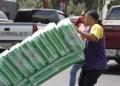 Este martes en Locatel vendieron solo dos paquetes talla M por persona