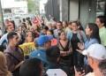 Educadores se apostaron en las puertas de la Defensoría del Pueblo