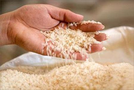 Venden arroz empaquetado sin marca ni registros