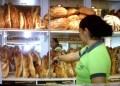 Compradores piden precios justos para comercio del pan