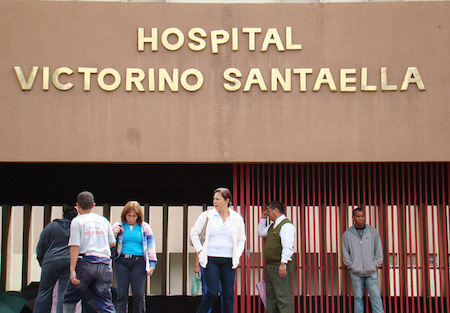 Sondeo de hospitales de Venezuela reporta 1.557 muertes por falta de material