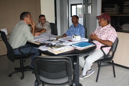 Fernández mantuvo una reunió con transportistas del sector Figueroa