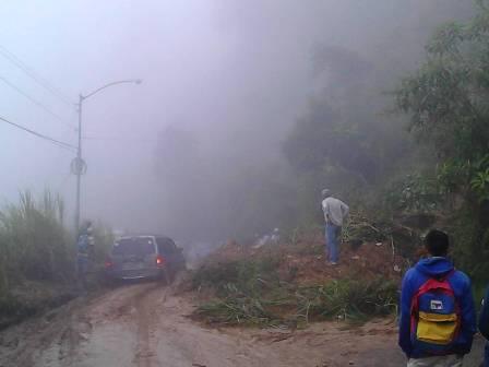 Funcionarios de Protección Civil Miranda y Carrizal, conjuntamente con Bomberos Miranda, se mantienen realizando monitoreos a las zonas de alto riesgo de la entidad