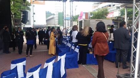 Diputados comienzan a llegar a la plaza Alfredo Sadel para la sesión de nombramiento de Magistrados TSJ. Foto: El Nacional.