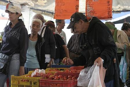La yuca no se escapa del incremento, y se consigue al menos en 4 mil bolívares y en la calle en 3 mil.