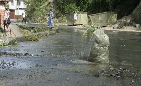 Continúan las fallas de agua en Los Teques Foto: Deysi Peña