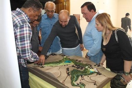 Alcalde entregó la donación y conversó con los padres y representantes.
