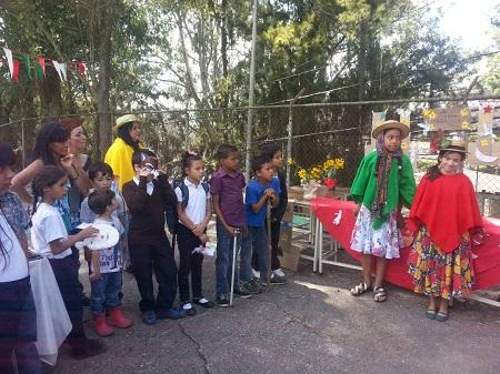 Escuela de San Antonio de los Altos realizó encuentro literario