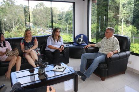 Alcalde Fernández recibe propuesta de mejoramiento de Transporte