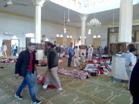 Al menos 270 muertos en el ataque a una mezquita en el Sinaí egipcio