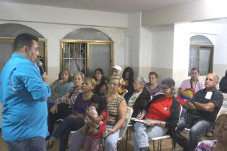 Fraija propone impulsar la producción local de alimentos en Carrizal