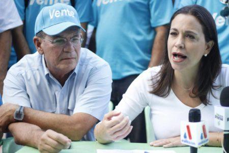 Machado: Venezuela es el primer país petrolero en la historia que se declara en bancarrota