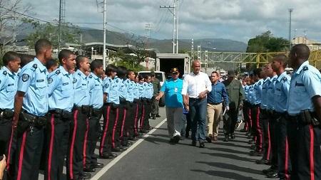 Héctor Rodríguez entregó 23 patrullas para el Plan de Patrullaje Inteligente