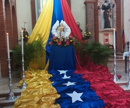 Santísimo de la Iglesia de San Antonio captó la atención de miles durante jornada de oración