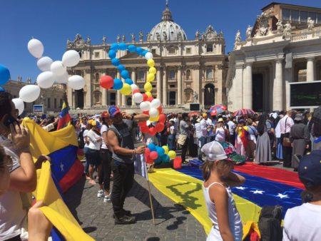 Plan del Vaticano prevé ayudar a cientos de miles de inmigrantes venezolanos