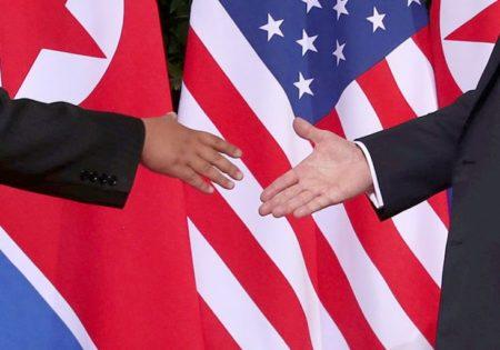 El apretón de manos entre Trump y Kim Jong Un