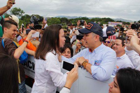 María Corina junto al candidato colombiano en la frontera