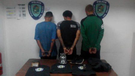 Polisalias capturó a trio de delincuentestras hurtar en vivienda en Las Polonias