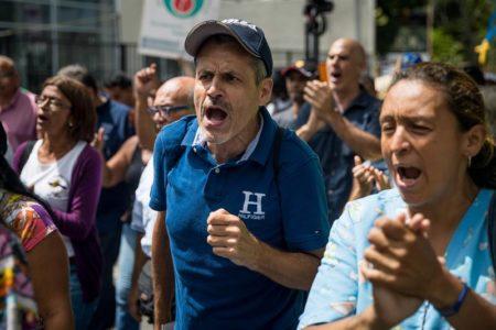 Protestan en barrio venezolano Petare por fallas en suministro de agua