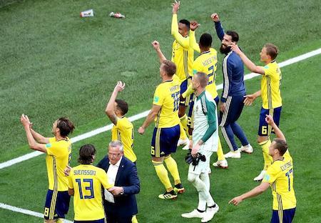 Suecia vence 1-0 a Suiza y pasa a cuartos del Mundial