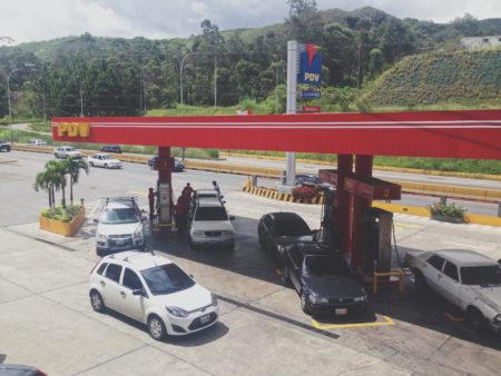 Prácticamente la gasolina es gratis, el precio está muy por debajo del nuevo cono monetario.