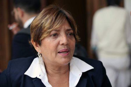 Denuncian al gobernador de Miranda por destituir a profesores que protestan