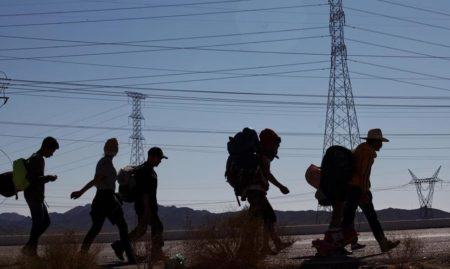 Ecuador extiende a marzo la emergencia ante flujo migratorio de venezolanos