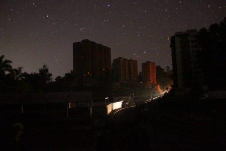 Tres noches a oscura estuvieron vecinos altomirandinos. Foto: Luis Sajaro