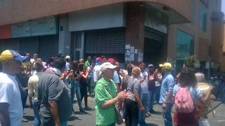 Protesta en Los Teques contra apagones