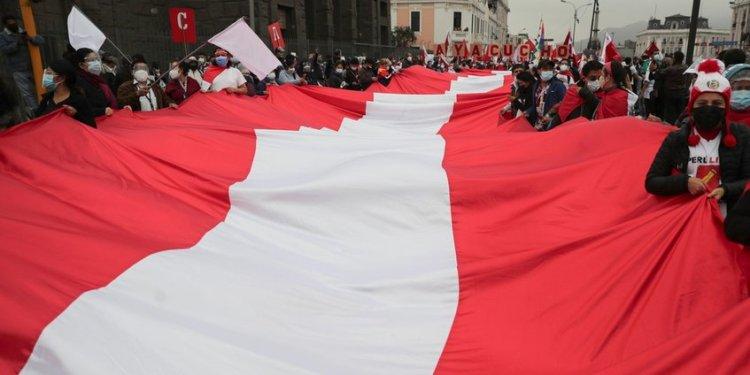 Convocan paro nacional en Perú para exigir proclamación de Pedro Castillo -  La Region