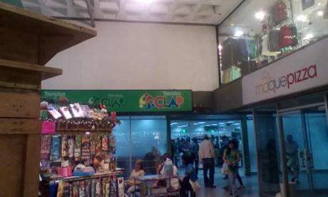 937c94441 Ministro de Comercio inspecciona Abastos Bicentenario de Plaza Venezuela
